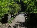 Most přes Chrudimku v chráněném území Krkanka.